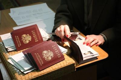 Где и как получить справку о регистрации по месту жительства? Зачем может понадобиться такой документ о прописке?