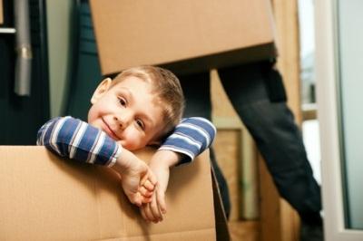 Имеет ли право собственник снять с регучета ребенка?