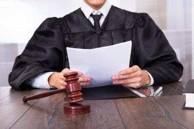 Выписка несовершеннолетнего ребенка через суд