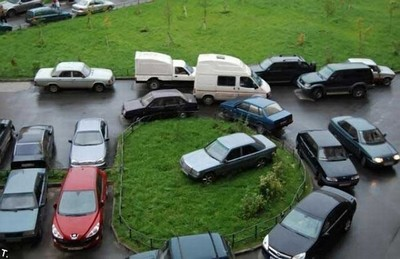 Можно ли на придомовых парковках парковаться у стездов колясок