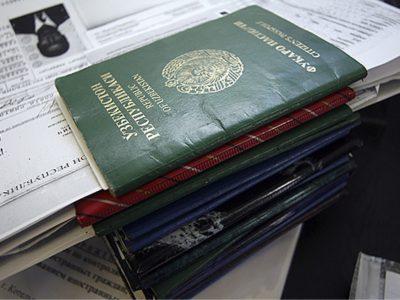 Временная регистрация по месту пребывания иностранного гражданина: какие документы нужны, чем опасна для собственника, как продлить?