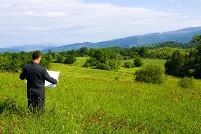 Аренда земельного участка на 49 лет и перевод в собственность: как оформить договор перехода надела во владение?